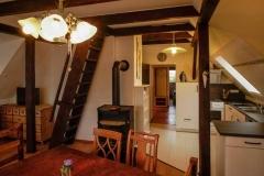 Essplatz mit Blick auf die Küche  -  Foto: A. Declair