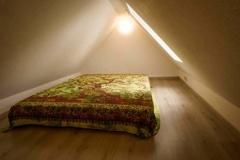 Schlafplatz im Dachspitz  -  Foto: A. Declair