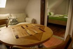 Sitzecke im Flur mit Spieltisch  -  Foto: A. Declair